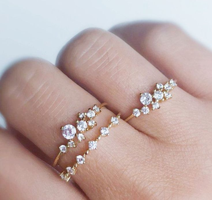 ACCESSORIES Diamond cluster engagement ring
