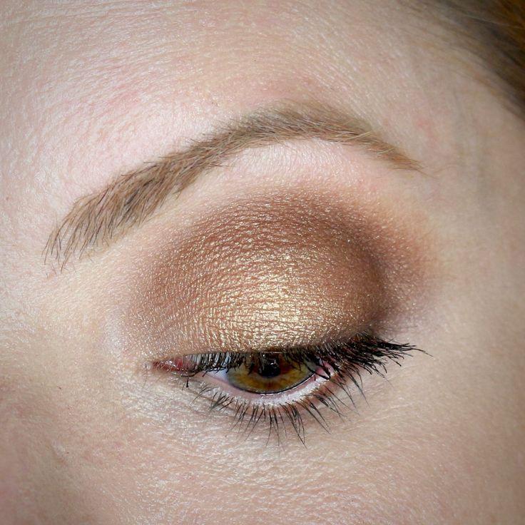 Julia Petit tutorial de maquiagem inspirada em Blake Lively.