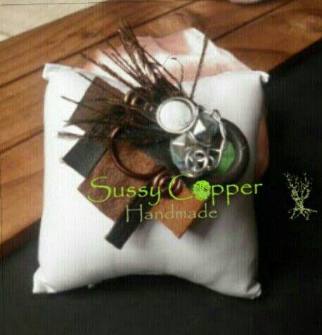 .Broche.   Derechos de imagen y creacion de piezas de Sussy Copper. sussycopper@gmail.com