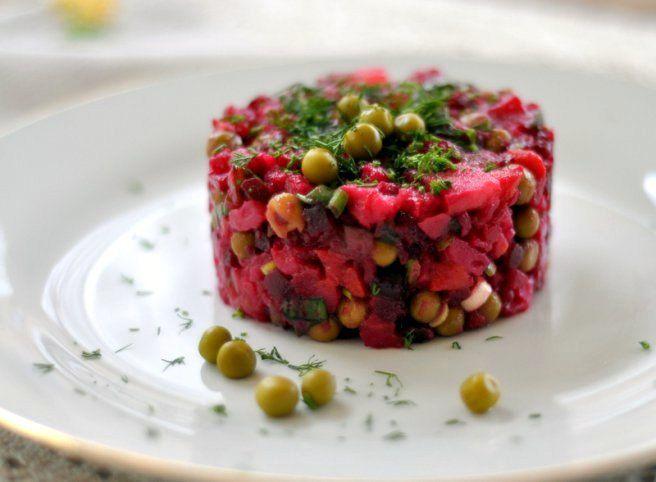 Reteta culinara Винегред - salata ruseasca de legume din categoria Salate. Specific Rusia. Cum sa faci Винегред - salata ruseasca de legume