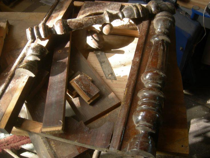 Osmanlı pazarı için üretilmiş Duvar saati kasası restorasyon için hazırlık