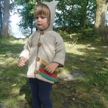 One of my favorite thinks I have ewer made.It is so light,it made of linen,with a knitted pocket.For a boy 2years of age.And yet again I have been inspired by 70s Can be washed by hand in a coold water