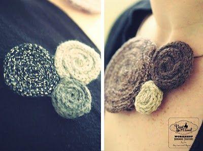 broches et bijoux tricotin. Agulles de pit amb tricotin