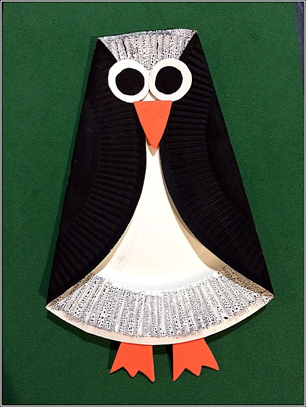 Easy Paper Plate Penguin. Instructions for this and other crafts on FreeKidsCrafts.com