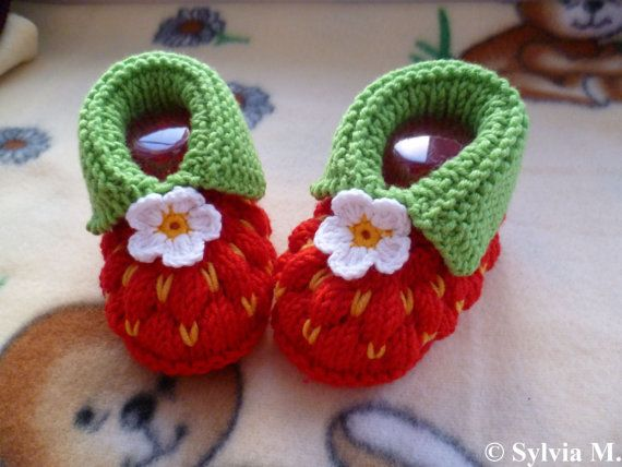 Knitting pattern baby shoes strawberry approx 3 1/2 by strichhexe, $5.00