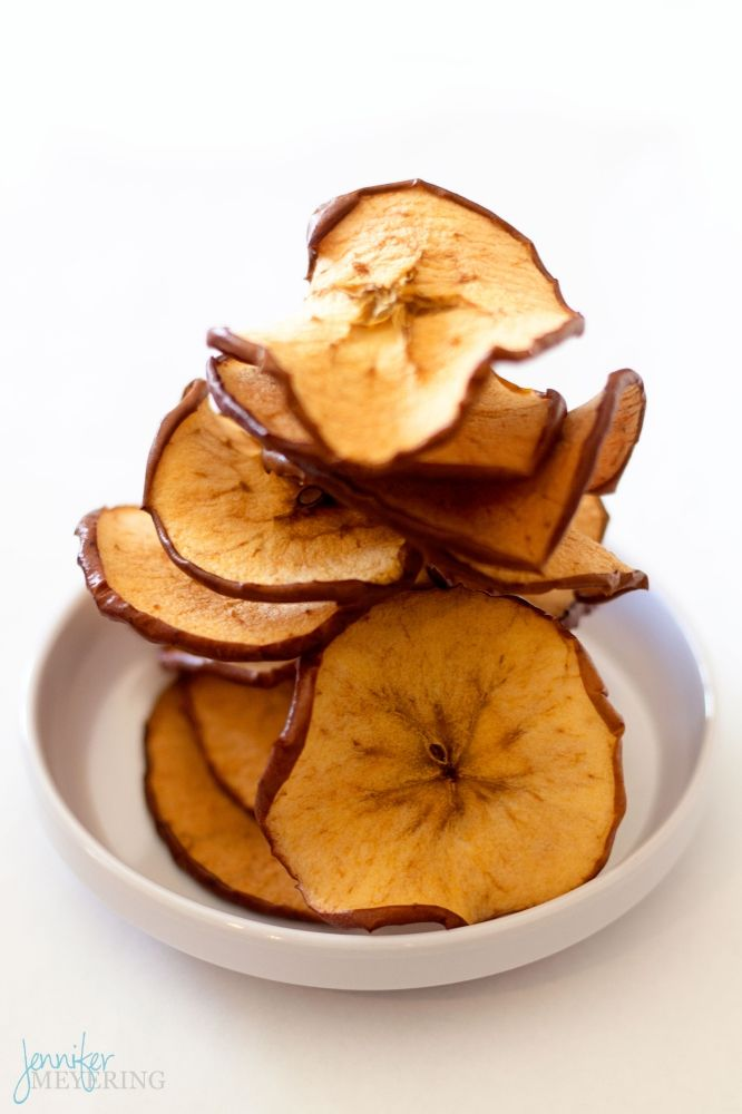 Cinnamon Sugar Baked Apple Chips