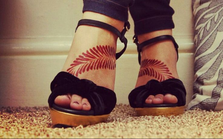 Feet henna tattoo