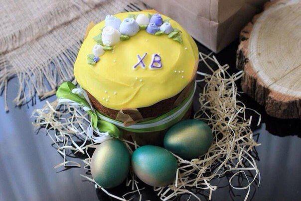 """Пасхальные яички всегда придают празднику особое настроение А семейные соревнования """"на самое сильное яйцо"""" это вообще отдельный вид спорта  И пока у нас есть такие традиции - мы непобедимы‼️"""