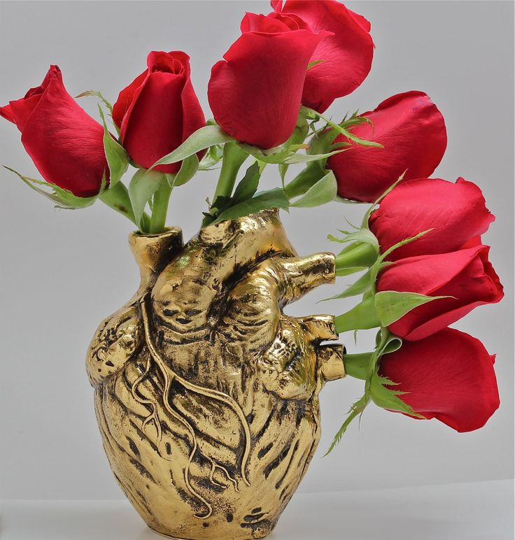 Anatomical heart vase from Blue Bayer Design NYC - Someone buy this for me when I graduate!!!