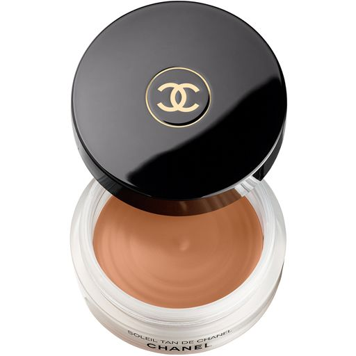 Bronzer SOLEIL TAN DE CHANEL.  The sister product to the fluid highlighter.  Kind of excited about this.