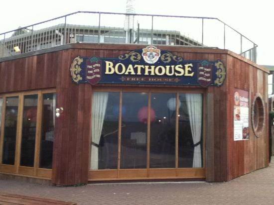 Boathouse, Dawlish Warren. A real family pub right on the sea front just a few minutes walk from Sandays. During the season it is open all day long for anything from a breakfast to a cream tea. Off season it is often open when nothing else at the beach is. Don't miss the Christmas decorations, it is worth doing a special visit just for that.