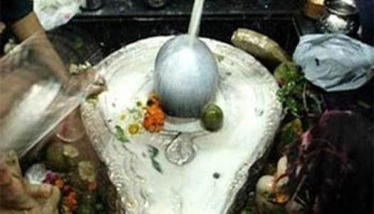આજે શ્રાવણનો અંતિમ સોમવાર, શિવ મંદિરોમાં ભીડ http://www.vishvagujarat.com/sawan-months-last-somwar-today-pilgrims-thronged-at-shiva-temples/