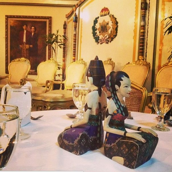 Mangkunegaran is chosen because of its magical history and buildings with culture blend from Java. #APSDAday2 #royalpalace #finedining #apsda2014 pic of @ayujoddy