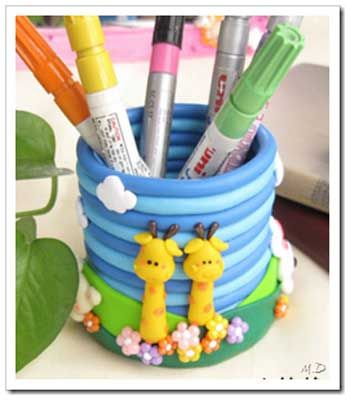 step by step pencil holder at http://manualidadesdehogar.com