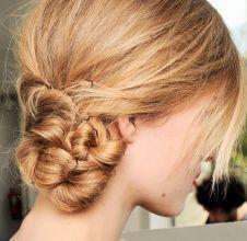 Mechas torcidas em penteado lateral ou coque? Escolha o melhor!