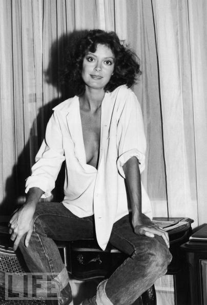 "Susan Sarandon Hangs Out in New York | Sarandon, 31, visits a New York City hotel in 1978. Years later, the ""Bull Durham"" star will say, ""I think my breasts have been highly overrated."": Photos, Famous, Style, Star, Movie, Susan Sarandon, Beauty, Beautiful People, Susansarandon"