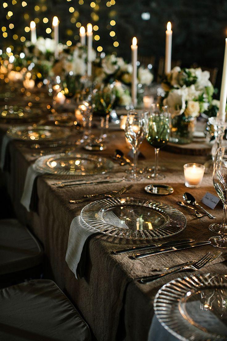 Decoração Glam: Use a luz de velas, em gaiolas ou lamparinas, para ajudar na iluminação cálida e aconchegante.