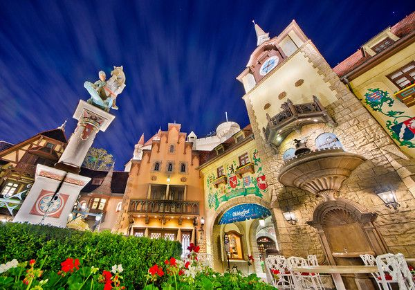Trying to decide where to eat ?  Top 10 Best Themed Disney World Restaurants - Disney Tourist Blog