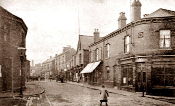 Armley Town Street 1920