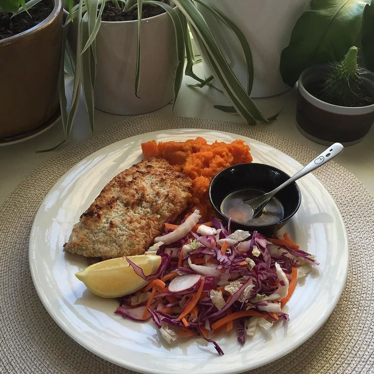 Anyone else having the Coconut and macadamia baked barramundi fillet with asian slaw sweet potato mash lime and house made sweet chilli sauce tonight?!  Don't forget to post your #nourissh snaps to win a box of Nourissh! Simply upload your image of anything Nourissh and tag us @nourissh and #Nourissh before tomorrow 8pm to win.  Check out previous posts for full Ts & Cs.  #birthdaygiveaway #Nourisshturns1 #beinittowinit