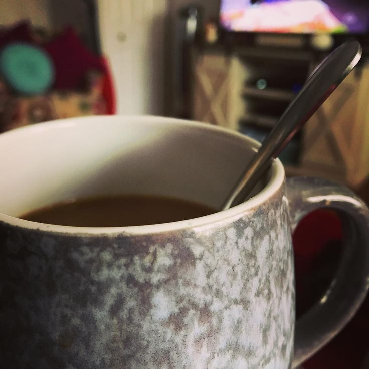 Any time is coffee time on a Sunday. #coffee #coffeetime #coffeecoffecoffee #coffeemug #mug #sunday #sundayfunday #sundaycoffee #couchpotato #philly #phillygirl #mayfair #caffeine #nephilly #winter #december #nye2017 #relax #foodtv
