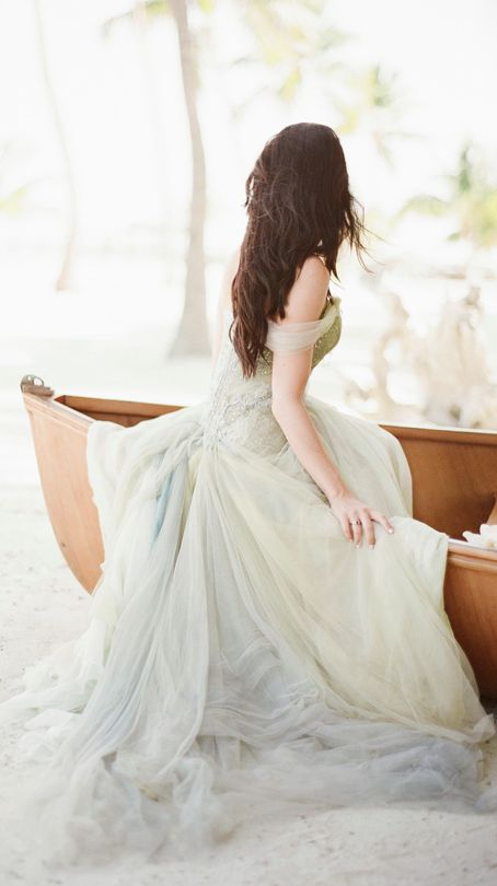 I love this dress, so flowy.. perfect for either a whimsical fairy garden themed wedding or a beach wedding.