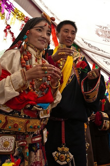 Tibetan wedding party with Liu Mei Omu Shan and Zhampei at Dege in Kham region in oriental Tibet Sichuan province China /// from Muriel Sanchez on fb