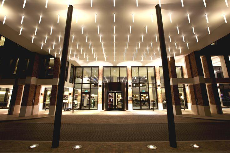 Stylish and modern the Hilton London Heathrow Airport Terminal 5 - http://www.adelto.co.uk/luxury-london-hotel