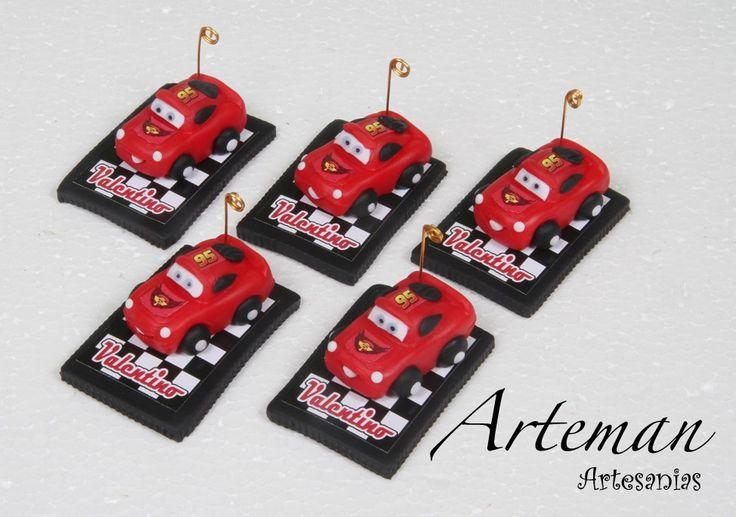 http://articulo.mercadolibre.com.ar/MLA-611311004-10-souvenirs-rayo-mc-queen-cars-en-porcelana-fria-_JM