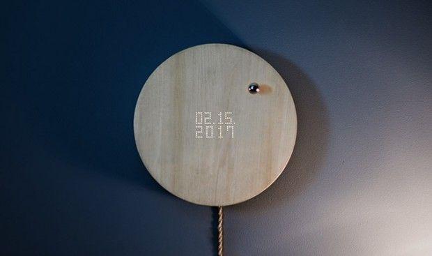 Après la lampe en lévitation (voir article) l'entreprise Flyte va lancer son horloge baptisée STORY. Un système d'aimant fait léviter une bille métallique
