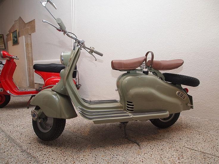 File:Lambretta LD 125 (1956) 20120211.jpg - Wikimedia Commons