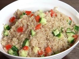 Cucumber-bell pepper quinoa (simple, easy)