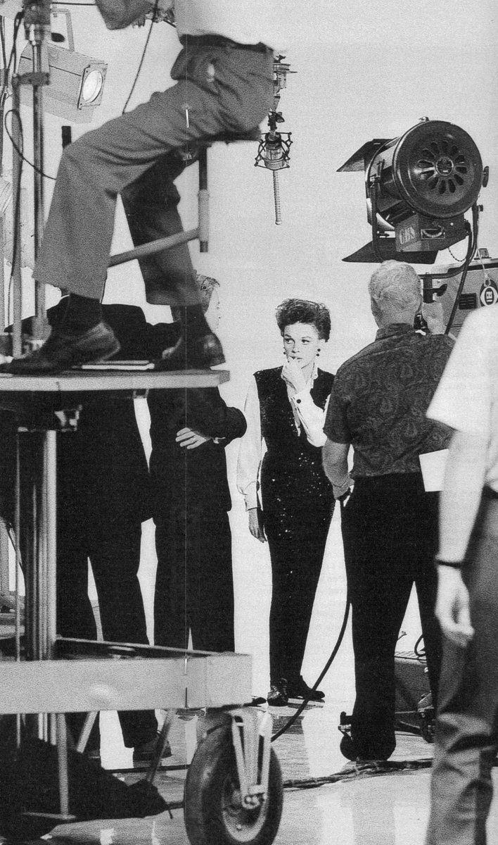 Judy Garland behind the scenes at THE JUDY GARLAND SHOW (CBS)