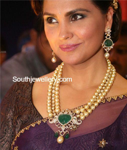 Lara Dutta in South Sea Pearl and Diamond Necklace Set photo