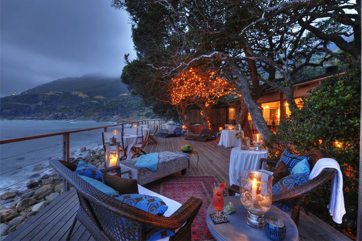 The bar and lounge on the rocks in Hout Bay, Cape Town at the Tintswalo Atlantic Hotel