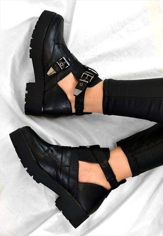 HOLLY+Chunky+Grip+Heel+Ankle+Biker+Style+Buckle+Boots+Shoes