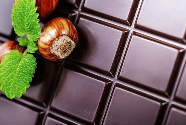 sweet-holidays-the-chocolate-and-kissing-8