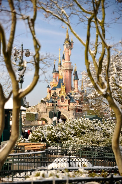 """Disneyland Paris: I would love to hear Mickey Mouse say """"bon jour!"""""""