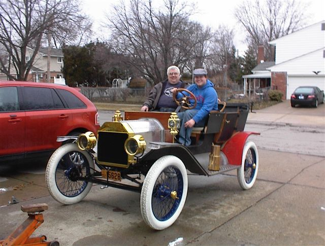 Model T Ford Forum: White or black tyres?