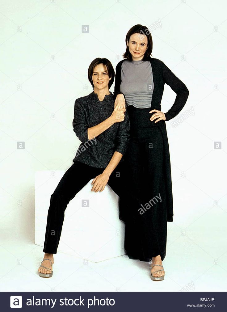 RACHEL GRIFFITHS EMILY WATSON HILARY AND JACKIE (1998) Stock Photo