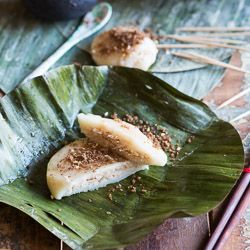 My first attempt at recreating a Cambodian recipe; sticky rice cakes with coconut filling