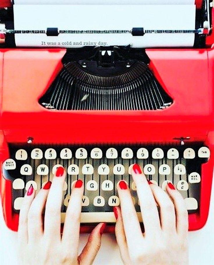 Wij zoeken #influencers #vloggers en/of #bloggers die minstens 40 zijn. Bij twijfel gewoon mailen goed? Kan jou het schelen. Wij kijken uit naar jullie #mail. Thx #ladies