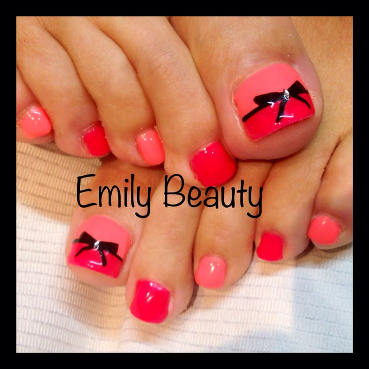 Nail art pied - Pied vernis rouge ...