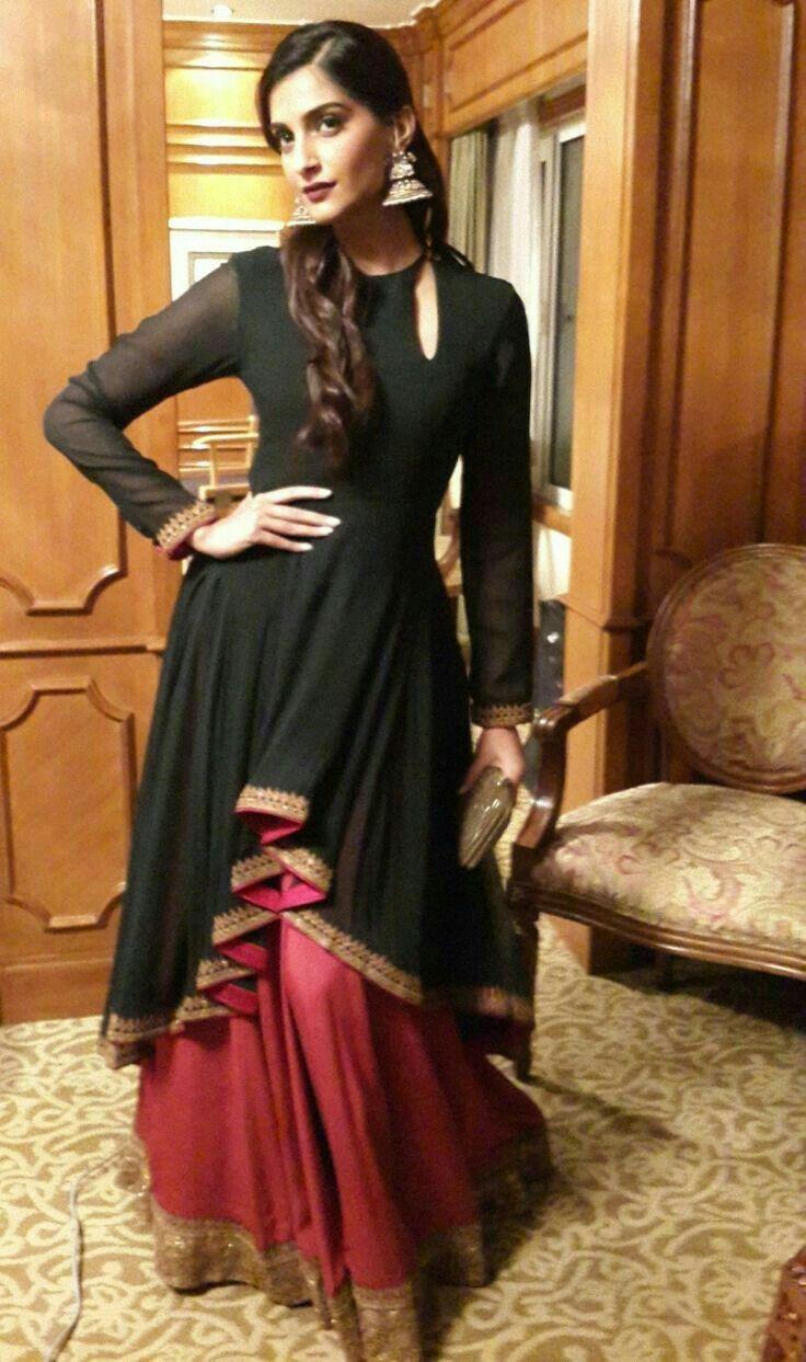 Beautiful Dress . Sonam Kapoor