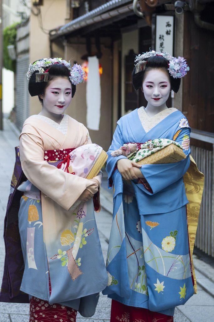 Maiko Shouko and Mikako of Gion Kobu