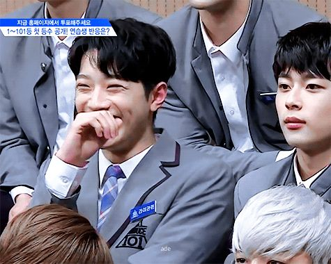 DO YOU SEE HIS LAUGH IM GONNA CRY I LOVE LAI GUANLIN SO MUCH ASDF
