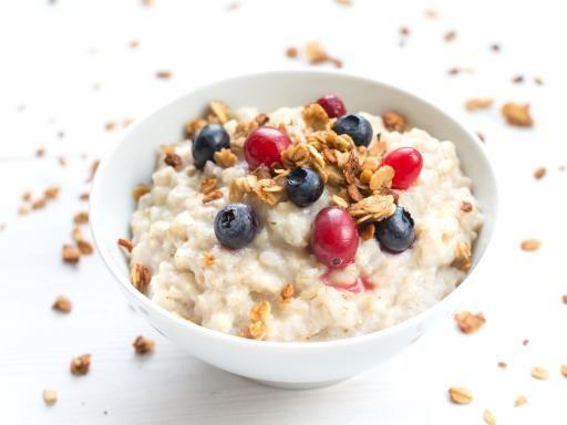 Porridge fruité au fromage blanc - Recette de cuisine Marmiton : une recette