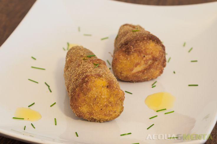 Peperoncini fritti ripieni (alla fermata della tranvia) #acquaementa #spagna #saragozza #peperoniripieni
