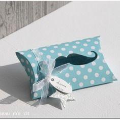 Boîtes pour dragées thème moustaches petits pois
