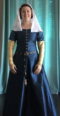 See Jane Sew: 14th century blue silk cotehardie worn over a gold silk kirtle